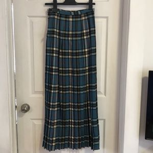 Scottish tartan blue wool skirt with pin!